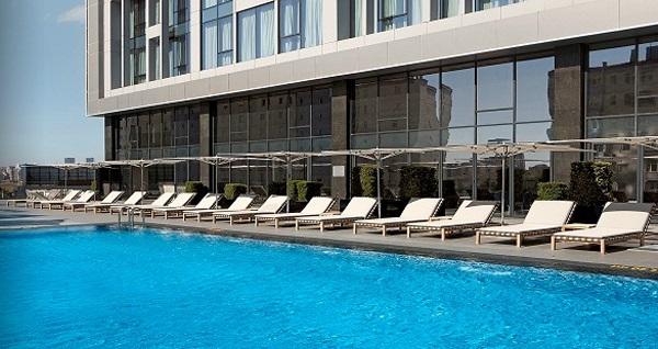 Ataşehir Radisson Blu Hotel Istanbul Asia'da havuz kullanımı ve limonata 69 TL'den başlayan fiyatlarla! Fırsatın geçerlilik tarihi için DETAYLAR bölümünü inceleyiniz.