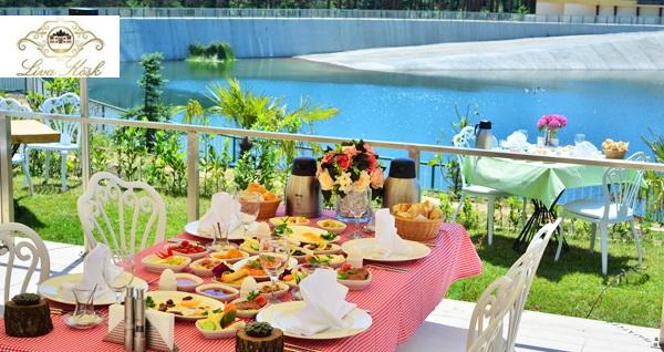 İstanbul'un yeni kır bahçesi Liva Köşk'ünde kahvaltı kişi başı 39,90 TL! Fırsatın geçerlilik tarihi için DETAYLAR bölümünü inceleyiniz.