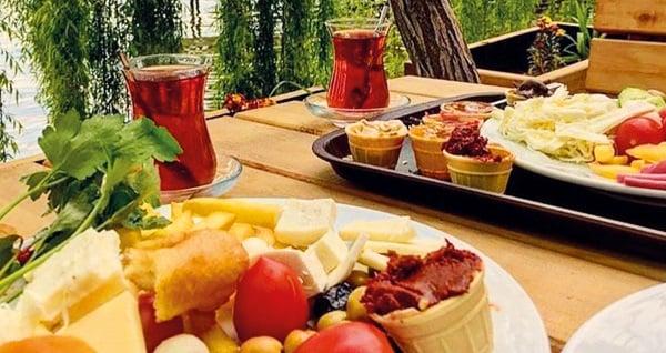 Organik tatil adresiniz İznik Askania'da farklı oda tiplerinde kahvaltı dahil çift kişilik 1 gece konaklama 249 TL'den başlayan fiyatlarla! Fırsatın geçerlilik tarihi için, DETAYLAR bölümünü inceleyiniz.