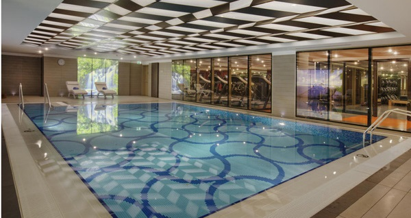 DoubleTree by Hilton Avcılar'da yerli içecek, peynir tabağı, Bali masajı ve açık büfe kahvaltı dahil deluxe odalarda ÇİFT KİŞİLİK romantik konaklama paketi 695 TL! Fırsatın geçerlilik tarihi için DETAYLAR bölümünü inceleyiniz.