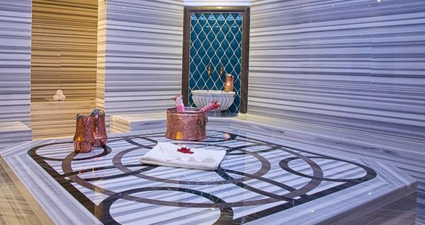 Retaj Royale İstanbul Hotel'de çift kişilik 1 gece Suite odada konaklama seçenekleri 399 TL'den başlayan fiyatlarla! Fırsatın geçerlilik tarihi için DETAYLAR bölümünü inceleyiniz.