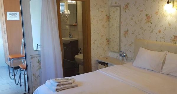 Ödüllü Büyükada Çınar Hotel'in farklı odalarında odaya kahvaltı dahil çift kişilik 1 gece konaklama seçenekleri 149 TL'den başlayan fiyatlarla! Fırsatın geçerlilik tarihi için, DETAYLAR bölümünü inceleyiniz.