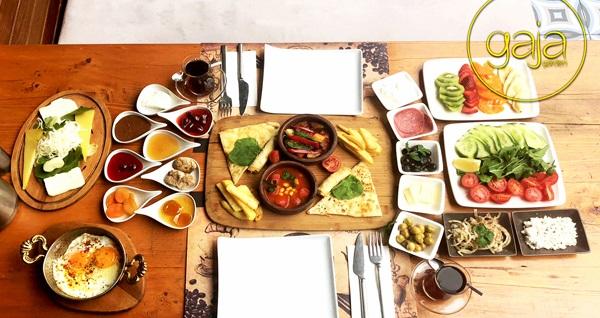 Bakırköy Gaja Garden Cafe'de zengin içeriklerle dolu serpme kahvaltı 24,90 TL! Fırsatın geçerlilik tarihi için DETAYLAR bölümünü inceleyiniz.