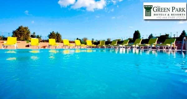 5* The Green Park Hotel Bostancı'da açık havuz girişi ve limonata keyfi