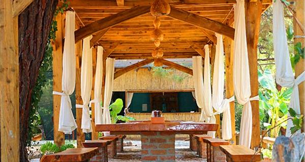 Fethiye Chakra Beach Kabak'ta YARIM PANSİYON 1 Gece Konaklama Kişi Başı 299 TL'den başlayan fiyatlarla! Fırsatın geçerlilik tarihi için DETAYLAR bölümünü inceleyiniz.