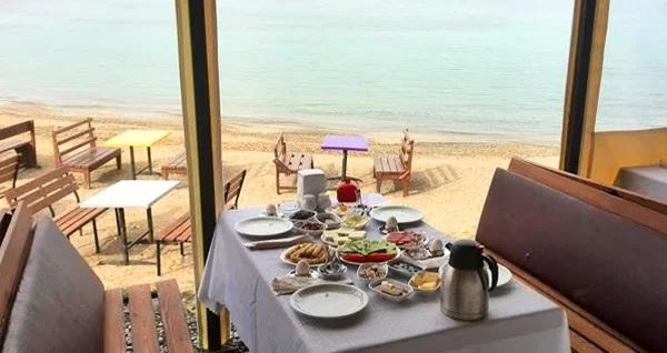 Seferihisar Maşa Restaurant Cafe'de denize nazır serpme kahvaltı keyfi kişi başı 24,90 TL! Fırsatın geçerlilik tarihi için DETAYLAR bölümünü inceleyiniz.