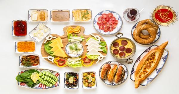 Florya Eşraf Osmanlı Mutfağı'nda sultanlara layık serpme saray kahvaltısı 34,90 TL! Fırsatın geçerlilik tarihi için DETAYLAR bölümünü inceleyiniz.