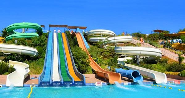 Marmaris'in en büyük aquaparkı Aqua Dream Water Park'a giriş 39,90 TL'den başlayan fiyatlarla! Fırsatın geçerlilik tarihi için, DETAYLAR bölümünü inceleyiniz.