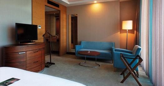 Hotel Mercure İstanbul Ümraniye'de çift kişilik 1 gece konaklama keyfi 229 TL'den başlayan fiyatlarla! Fırsatın geçerlilik tarihi için DETAYLAR bölümünü inceleyiniz.