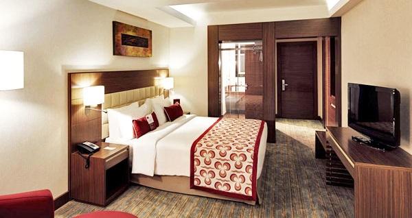 Mercure İstanbul Altunizade Hotel'de çift kişilik 1 gece konaklama 259 TL'den başlayan fiyatlarla! Fırsatın geçerlilik tarihi için DETAYLAR bölümünü inceleyiniz.