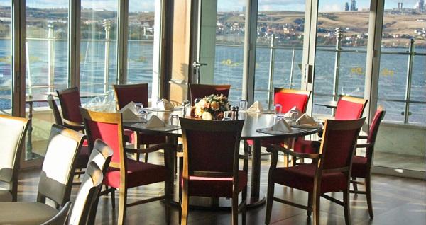 VE Hotels Vilayetler Evi'nde göl manzarasına karşı brunch menüsü 34,99 TL'den başlayan fiyatlarla! Fırsatın geçerlilik tarihi için DETAYLAR bölümünü inceleyiniz.