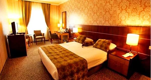 The Green Park Hotel Bostancı'da çift kişilik 1 gece konaklama seçenekleri 299 TL'den başlayan fiyatlarla! Fırsatın geçerlilik tarihi için DETAYLAR bölümünü inceleyiniz.