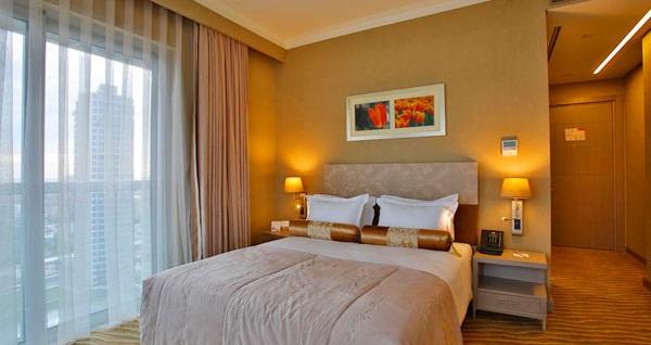 Ataşehir Silence Istanbul Hotel&Convention Center'da çift kişilik 1 gece konaklama seçenekleri 209 TL'den başlayan fiyatlarla! Fırsatın geçerlilik tarihi için, DETAYLAR bölümünü inceleyiniz.