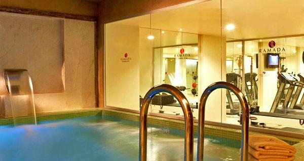 Ramada İstanbul Asia Luxury Hotel'de çift kişilik 1 gece konaklama seçenekleri 229 TL'den başlayan fiyatlarla! Fırsatın geçerlilik tarihi için DETAYLAR bölümünü inceleyiniz.