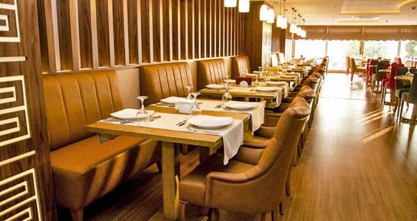 Beylikdüzü Comfort Hotel'de açık büfe kahvaltı dahil seçeneği ile çift kişilik 1 gece konaklama 169 TL'den başlayan fiyatlarla! Fırsatın geçerlilik tarihi için DETAYLAR bölümünü inceleyiniz.