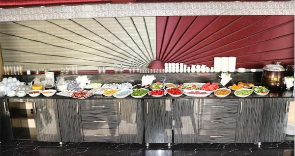 Çankaya Murat Otel'de kahvaltı dahil 1 gece tek veya çift kişilik konaklama seçenekleri 140 TL'den başlayan fiyatlarla! Fırsatın geçerlilik tarihi için DETAYLAR bölümünü inceleyiniz.