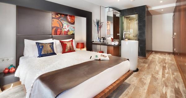 Beyoğlu Duo Galata Hotel'de çift kişilik 1 gece konaklama seçenekleri 249 TL'den başlayan fiyatlarla! Fırsatın geçerlilik tarihi için, DETAYLAR bölümünü inceleyiniz. Fırsat özel günlerde geçerli değildir.