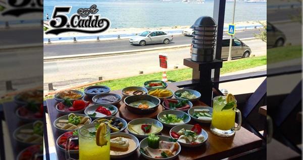 Üsküdar Salacak Sahil Yolu Cafe 5. Cadde'de Kız Kulesi manzaralı serpme kahvaltı menüsü 39,90 TL! Fırsatın geçerlilik tarihi için DETAYLAR bölümünü inceleyiniz.
