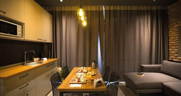 Ataşehir Cityloft 161 Hotel'in farklı odalarında çift kişilik 1 gece konaklama seçenekleri 189 TL'den başlayan fiyatlarla! Fırsatın geçerlilik tarihi için, DETAYLAR bölümünü inceleyiniz.
