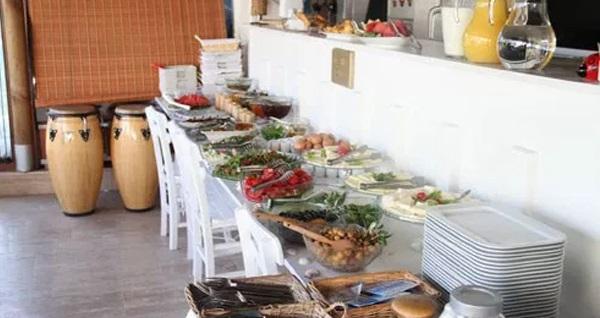 Lavinya Hotel Bozcaada'da açık büfe kahvaltı dahil çift kişilik 1 gece konaklama 249 TL'den başlayan fiyatlarla! Fırsatın geçerlilik tarihi için DETAYLAR bölümünü inceleyiniz.