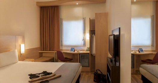 İbis Hotel Zeytinburnu'da 1 gece konaklama 299 TL'den başlayan fiyatlarla! Fırsatın geçerlilik tarihi için DETAYLAR bölümünü inceleyiniz.