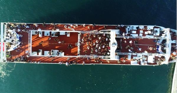 Lüfer Tekneleri ile Dj'ler eşliğinde VIP yüzme turu 75 TL! Fırsatın geçerlilik tarihi için DETAYLAR bölümünü inceleyiniz.