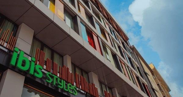 Ibis Styles İstanbul Bomonti Hotel'de çift kişilik 1 gece konaklama seçenekleri 209 TL'den başlayan fiyatlarla! Fırsatın geçerlilik tarihi için DETAYLAR bölümünü inceleyiniz.