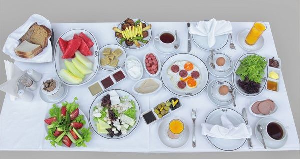 King Hotel Kavaklıdere'de kahvaltı dahil çift kişilik 1 gece konaklama 179 TL! Fırsatın geçerlilik tarihi için DETAYLAR bölümünü inceleyiniz.