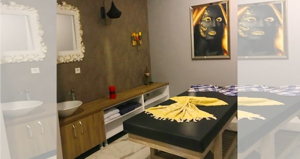 Elit Perla Palas 'La Elit Spa Wellness Çekmeköy'de ıslak alan kullanımı, kese köpük ve masaj uygulamaları 39 TL'den başlayan fiyatlarla! Fırsatın geçerlilik tarihi için, DETAYLAR bölümünü inceleyiniz.