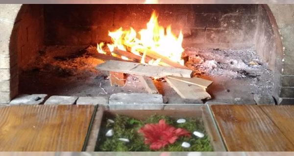 Bornova Çiçekliköy Keyfi Zade'de doğa ile iç içe serpme kahvaltı keyfi 27,90 TL'den başlayan fiyatlarla! Fırsatın geçerlilik tarihi için DETAYLAR bölümünü inceleyiniz.