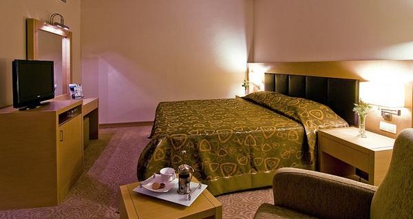 Güre Adrina Termal Health & SPA Hotel'de Grupanya'ya özel hediyelerle çift kişilik 1 gece YARIM PANSİYON konaklama 399 TL! Fırsatın geçerlilik tarihi için DETAYLAR bölümünü inceleyiniz.