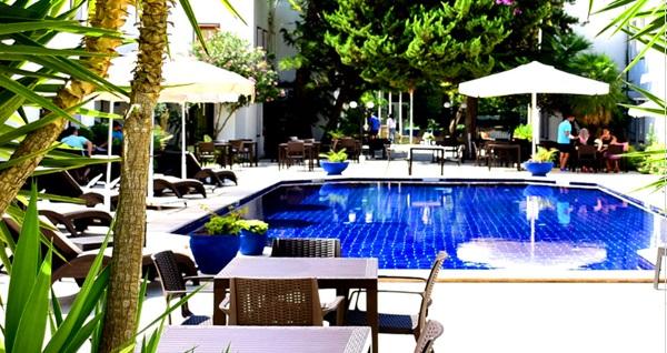 Le Jardin Hotel&Spa Bodrum'da çift kişilik 1 gece konaklama seçenekleri 299 TL'den başlayan fiyatlarla! Fırsatın geçerlilik tarihi için DETAYLAR bölümünü inceleyiniz.
