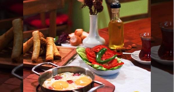 Kadıköy Garda Cafe'de organik serpme kahvaltı 25,90 TL'den başlayan fiyatlarla! Fırsatın geçerlilik tarihi için DETAYLAR bölümünü inceleyiniz.