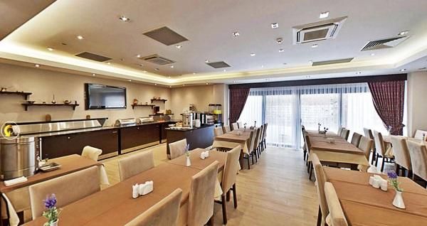 Konak'ta keyif ve konforun adresi Vesta Fuar Hotel'de kahvaltı dahil çift kişilik 1 gece konaklama 179 TL! Fırsatın geçerlilik tarihi için DETAYLAR bölümünü inceleyiniz.