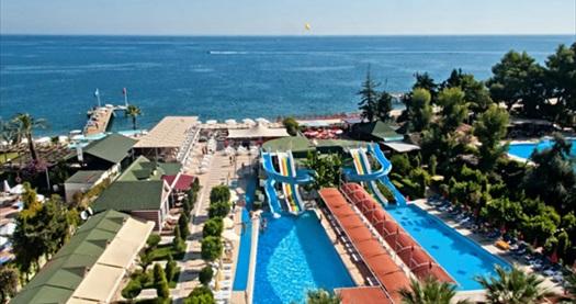 """Kemer Arma's Beach Hotel'de çift kişilik odada kişi başı HER ŞEY DAHİL konaklama ve uçak ile ulaşım paketleri 309 TL'den başlayan fiyatlarla! 31 Mayıs 2016 tarihine kadar, haftanın her günü geçerlidir. FARKLI FİYATLARDAKİ OPSİYONLAR İÇİN """"HEMEN AL""""A TIKLAYIN."""