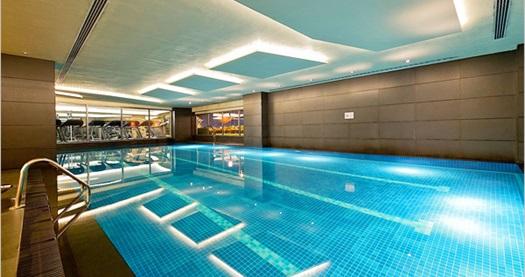 Divan Istanbul Asia Nerolie Spa & Fitness Merkezi'nde SPA paketleri 89 TL'den başlayan fiyatlarla! Fırsatın geçerlilik tarihi için DETAYLAR bölümünü inceleyiniz. ÖZEL GÜNLER VE HAFTA SONU HARİÇ; 14.30-21.30 saatleri arasında geçerlidir. SPA alanı; sauna, buhar odası ve jakuziden oluşmaktadır.
