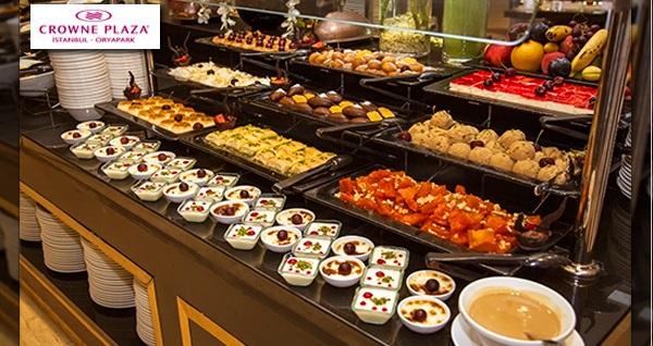Crowne Plaza Oryapark'ta enfes lezzetlerle dolu açık büfe iftar menüsü 99 TL'den başlayan fiyatlarla! Bu fırsat 6 Mayıs - 3 Haziran 2019 tarihleri arasında, iftar saatinde geçerlidir.