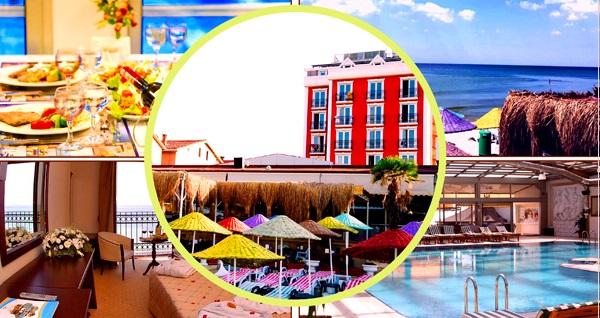 Denize sıfır Kumburgaz Blue World Hotel'de iki kişilik konaklama, kahvaltı, özel plaj ve havuz kullanımı 350 TL yerine 197 TL! Fırsatın geçerlilik tarihi için DETAYLAR bölümünü inceleyiniz.