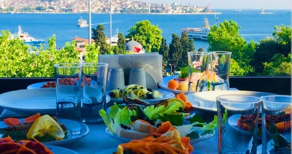 Muhteşem Boğaz manzarası eşliğinde Beşiktaş Balıkçısı By Muzaffer'de lezzet dolu yemek menüsü 99 TL! Fırsatın geçerlilik tarihi için DETAYLAR bölümünü inceleyiniz.