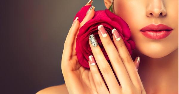 Esbella Beauty & Wellness'ta güzellik uygulamaları 49 TL'den başlayan fiyatlarla! Fırsatın geçerlilik tarihi için DETAYLAR bölümünü inceleyiniz.