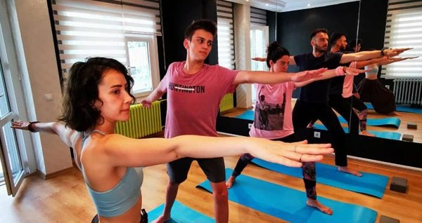 Bağdat Caddesi Gelişim Noktası'nda yoga dersi 25 TL'den başlayan fiyatlarla! Fırsatın geçerlilik tarihi için DETAYLAR bölümünü inceleyiniz.
