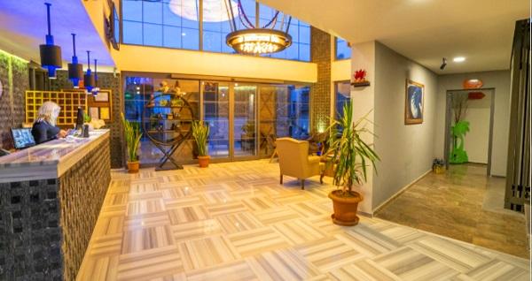 Kosa Otel Çeşme'de kahvaltı dahil tek kişilik 1 gece konaklama 199 TL! Fırsatın geçerlilik tarihi için DETAYLAR bölümünü inceleyiniz.