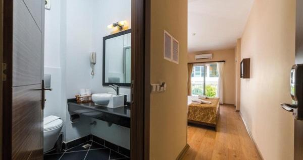 Bayramda da geçerli Tema Lara Hotel Antalya'da çift kişilik 1 gece konaklama seçenekleri 129 TL'den başlayan fiyatlarla! Fırsatın geçerlilik tarihi için, DETAYLAR bölümünü inceleyiniz.