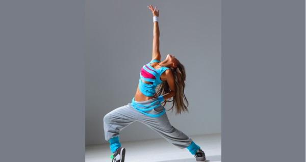 Şişli A Plus Dans Studio'da hip hop ve zumba dersleri 50 TL'den başlayan fiyatlarla! Fırsatın geçerlilik tarihi için DETAYLAR bölümünü inceleyiniz.