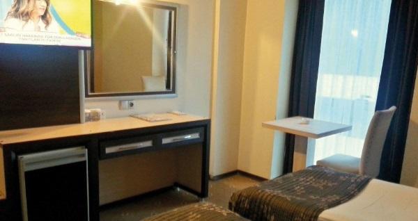 Alsancak Hotel İsmira'da farklı oda seçenekleri ile çift kişilik 1 gece konaklama 159 TL'den başlayan fiyatlarla! Fırsatın geçerlilik tarihi için, DETAYLAR bölümünü inceleyiniz.