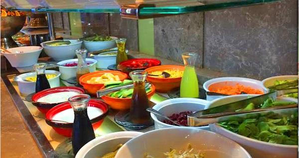Radisson Blu Hotel & Spa İstanbul Tuzla'da Neyzen eşliğinde enfes açık büfe iftar menüsü 99 TL'den başlayan fiyatlarla! Bu fırsat 6 Mayıs - 3 Haziran 2019 tarihleri arasında, iftar saatinde geçerlidir.