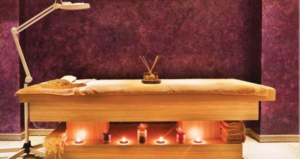 Hotel Emirhan Palace'da masaj, ıslak alan ve bakım uygulamaları 149 TL'den başlayan fiyatlarla! Fırsatın geçerlilik tarihi için DETAYLAR bölümünü inceleyiniz.