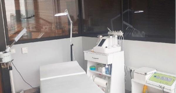 Çankaya Bal's Beauty Medical Center'da klasik cilt bakımı ve hydrafacial bakım 350 TL yerine 49,90 TL! Fırsatın geçerlilik tarihi için DETAYLAR bölümünü inceleyiniz.