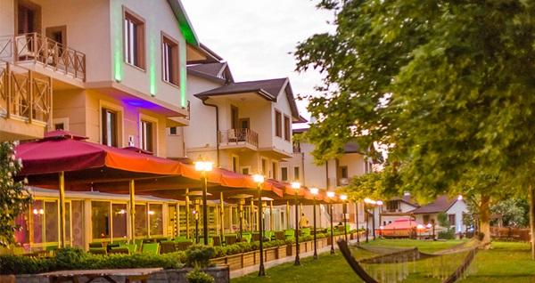 Doğanın tam kalbindeki Park Hotel Polonezköy'de çift kişilik 1 gece konaklama keyfi 208 TL'den başlayan fiyatlarla! Fırsatın geçerlilik tarihi için DETAYLAR bölümünü inceleyiniz.