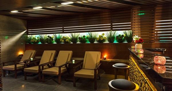 Skalion Hotel Spa'da ıslak alan kullanımı dahil masaj seçenekleri 59 TL'den başlayan fiyatlarla! Fırsatın geçerlilik tarihi için DETAYLAR bölümünü inceleyiniz.